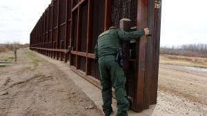 """""""Wir werden die Mauer bauen!"""""""