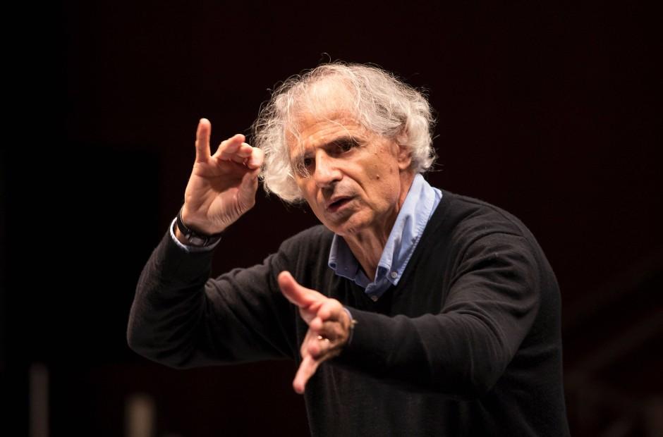 Dirigent des Eröffnungskonzerts Emilio Pomarico.