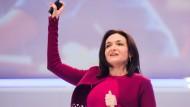 Sheryl Sandberg, seit 2008 Facebook-Chefin, spricht in Köln: der ersten Station auf ihrer Tour durch Deutschland.