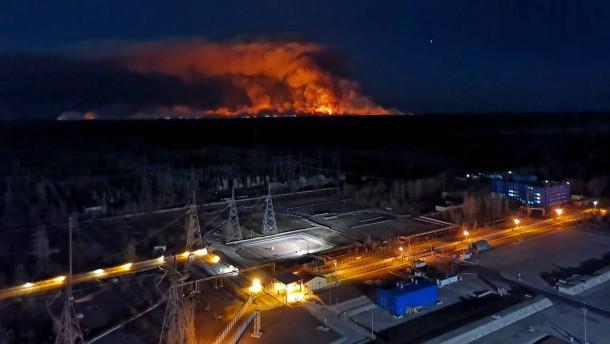 Wieder Flammen  über Tschernobyl