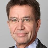 """Rainer Hank - Portraitaufnahme für das Blaue Buch """"Die Redaktion stellt sich vor"""" der Frankfurter Allgemeinen Zeitung"""