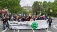 Die Front einer Fridays-For-Future-Demonstration im Mai durch Frankfurt