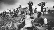 Dem Völkermord entronnen: Hutu-Flüchtlinge kehren im November 1996 zurück nach Ruanda.