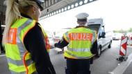 Einreise nur mit gültigen Ausweispapieren, dafür setzen sich einige CDU-Abgeordnete ein.