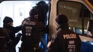 Polizei verhaftet Mitglieder eines Drogenclans