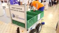 Helfer auf vier Reifen: Transportroboter für die Logistik