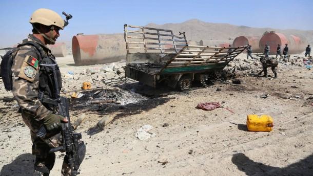 Brief Nach Afghanistan : Afghanistan aufständische greifen flughafen von kabul an