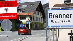 Im Notfall ein Zaun am Alpenpass