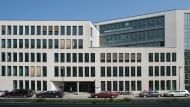 Nach bundesweiten Diskussionen: Die Frankfurter Volkshochschule streicht umstrittene Therapie-Kurse.