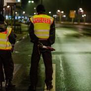 Verkehrskontrolle zur Einhaltung der nächtlichen Ausgangssperre in Offenbach, 12. Dezember 2020.
