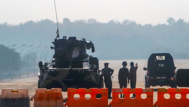 Wie ist Myanmars Militärregime beizukommen?