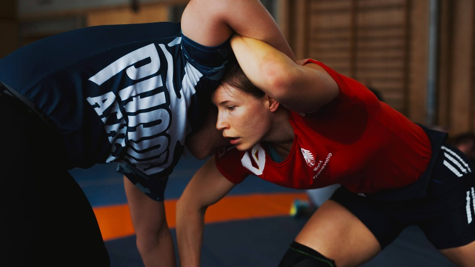 Powerfrau: Aline Rotter-Focken (rechts) im Trainingskampf mit der Österreicherin Martina Künz.