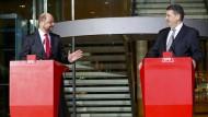 Martin Schulz und Sigmar Gabriel am Dienstagabend in Berlin