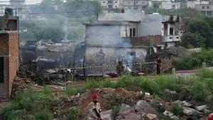 Zahlreiche Opfer bei Flugzeugabsturz in Pakistan