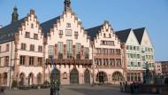 Kreative Nebensache: Frankfurt beschäftigt sich zu wenig mit der örtlichen Kreativwirtschaft. Entscheidungen im Römer zur Aufwertung der Branche könnten auch der Stadt mehr Anziehungskraft verleihen.