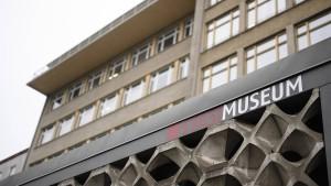 Einbrecher stehlen Stasi-Orden