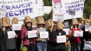"Frank gegen ""Frauenschutzzone"""