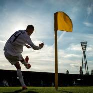 Die Schönheit des Simplen: Der Fußball zieht einen gerade wegen seiner Einfachheit in seinen Bann.