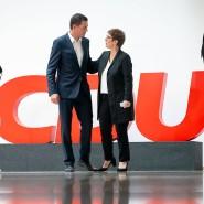 Annegret Kramp-Karrenbauer und Mike Mohring bei einer Pressekonferenz zur Landtagswahl in Thüringen.