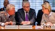 Verfahren gegen frühere Vorgesetzte von Franco A. eingeleitet