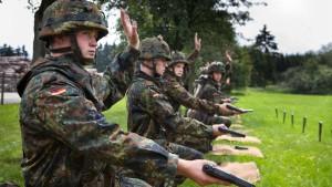 Jeder zweite Schulabgänger ungeeignet für Bundeswehr