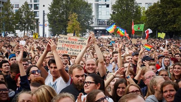 Rechte Bewegungen oder Bewegungen gegen rechts?
