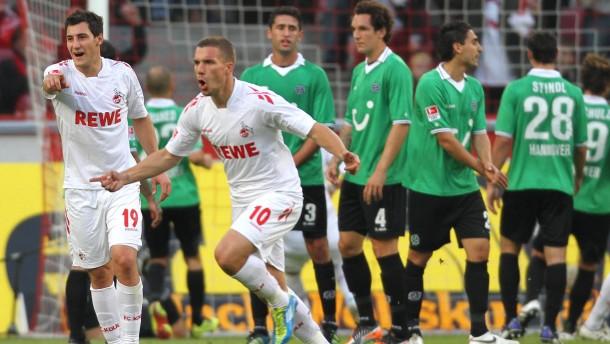 Köln siegt dank Podolski-Gala