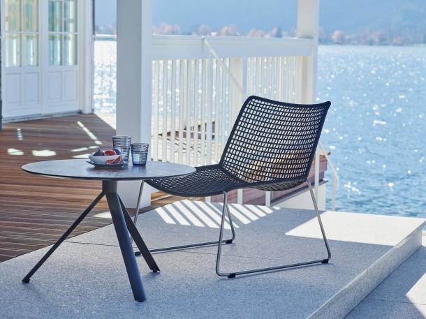 bild zu deutsche geben viel f r einrichtung aus bild 1. Black Bedroom Furniture Sets. Home Design Ideas