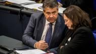 Verbünden sie sich im Kampf gegen Martin Schulz? Noch-Außenminister Gabriel und SPD-Fraktionschefin Nahles.