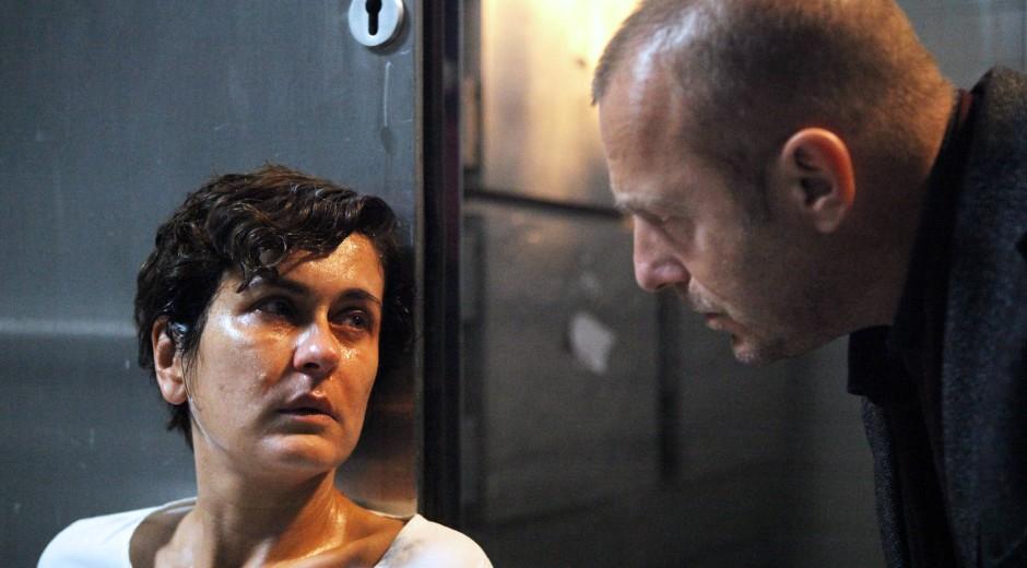 Bis an die Grenze des Menschenmöglichen: Marie-Lou Sellem ist Karin Staller, die Mutter der kleinen Aline, die soeben entführt wurde