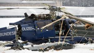 Experten untersuchen Ursache für Hubschrauber-Unglück