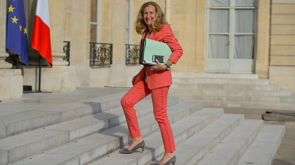 Die Jacke ein Stück länger, die Hose schmal: Frankreichs Justizministerin Nicole Belloubet ist Frankreichs Justizministerin.
