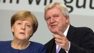 Hessen-CDU steht hinter Merkel und warnt vor Rechtsruck