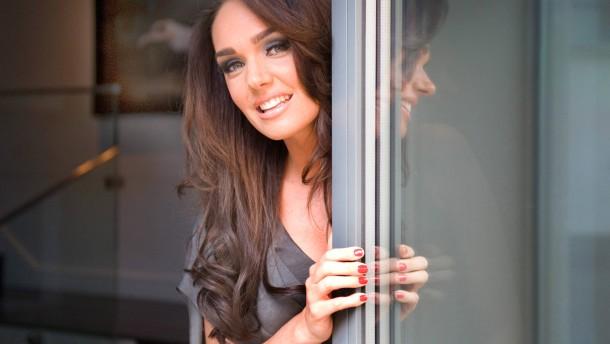 Tamara Ecclestone - Das englisch-kroatische Model, die Fernsehmoderatorin und Tochter des Formel-1 Chefs Bernie Ecclestone spricht in London  mit Michael Wittershagen