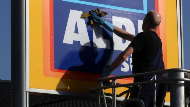 Aldi Süd nimmt mehr Geld ein