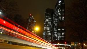 Klarheit über Kapitalregeln beflügelt Bankaktien
