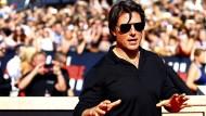 Tom Cruise bricht sich bei einem Stunt den Fuß