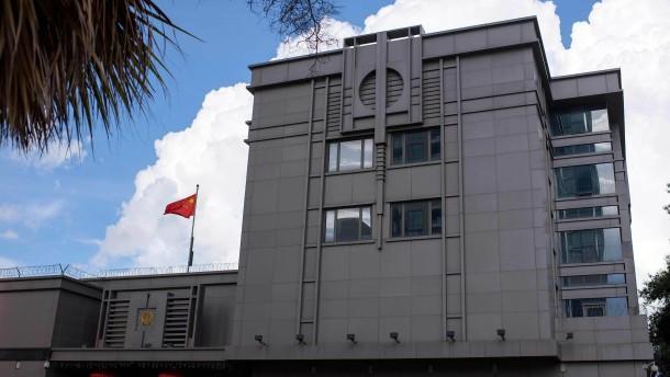 Weißes Haus hält sich Option weiterer Konsulatsschließungen offen