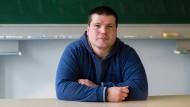Die Scham abgelegt: Udo Schmitt geht offen damit um, dass er Kurse für Lesen und Schreiben belegt