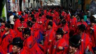 """El Señor del Gran Poder"" ruft und Tausende tanzen"