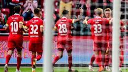 Union Berlin spielt vor Fans im Stadion