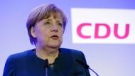 Sieht eine Einigung über die Obergrenze für Flüchtlinge nicht als Bedingung für einen Erfolg der Union bei der Bundestagswahl: die CDU-Vorsitzende Angela Merkel am Samstag im saarländischen Perl-Nennig