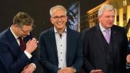 Gemischte Gefühle: Die Spitzenkandidaten Thorsten Schäfer-Gümbel (SPD), Tarek Al-Wazir (Bündnis90/Die Grünen) und Volker Bouffier (CDU) nach der Wahl