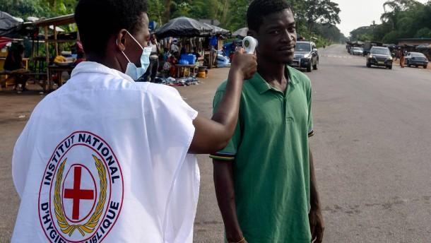 Einwohner von Abidjan zerstören Zentrum für Coronavirus-Tests