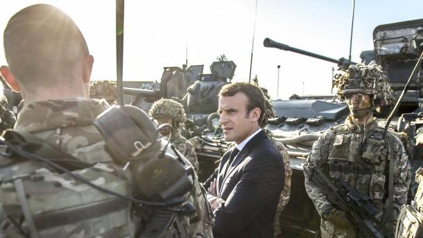 """Macron fordert Bildung einer """"wahren europäischen Armee"""""""