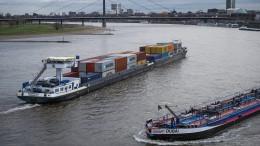 Wieder mehr Wasser im Rhein