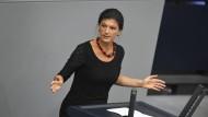 Wagenknecht stellt Euro infrage