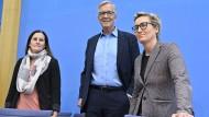 Die Spitze der Linkspartei: Janine Wissler, Bundesvorsitzende (links), Dietmar Bartsch, Fraktionsvorsitzender und Susanne Hennig-Wellsow, Bundesvorsitzende