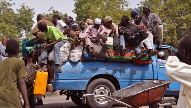 Nigerias Armee schlägt zurück