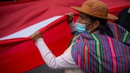 Peru holt die Vergangenheit ein